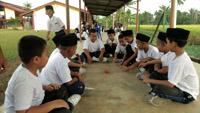 Boys_playing